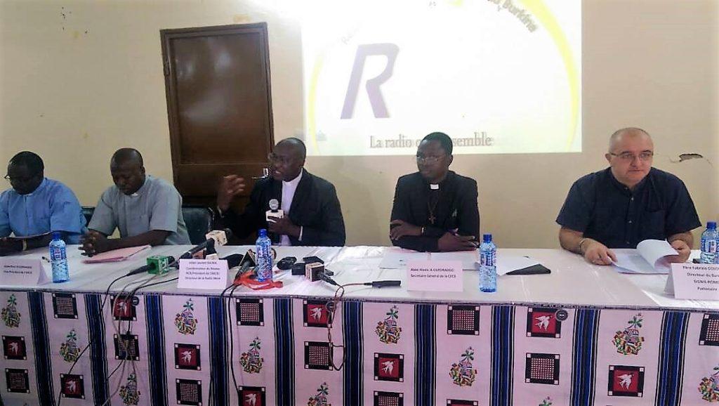 Burkina Faso : Bientôt une radio satellitaire catholique