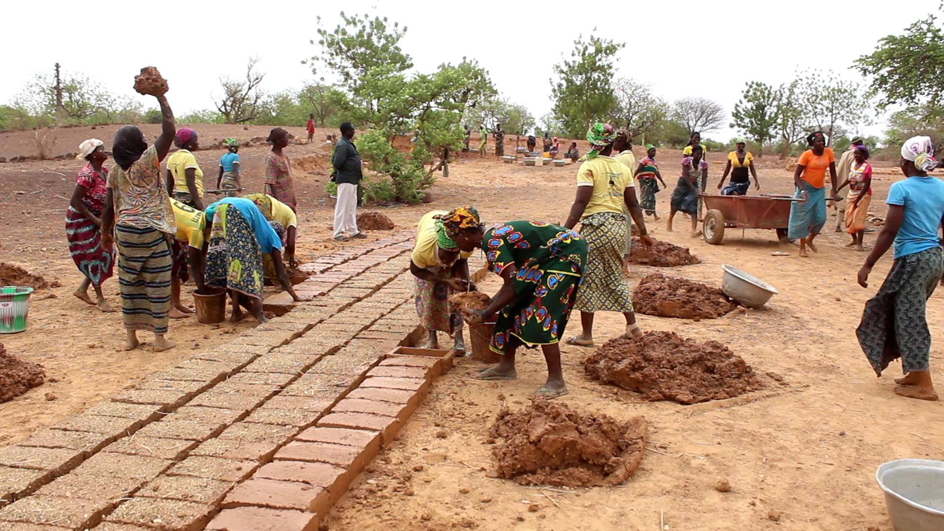 Club de Ganembogyiri : une confection de briques pour la résilience des communautés face aux menaces terroristes.